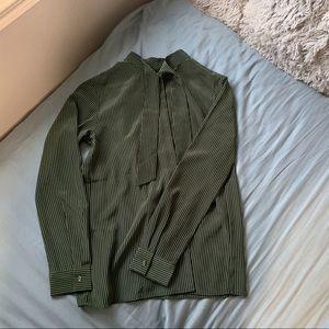 (Unworn!!!) Silk Uniqlo Button down blouse